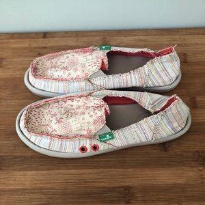 Sanuk Women's Floral Slip On Loafers Size 5